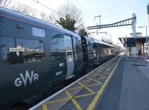 London Paddington closed to all trains on Sunday morning